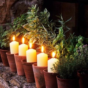 3lig.048 Candles in terracotta pots