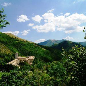 panorama-Convento-di-Fonte-Avellana (2)