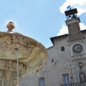 visit-cagli-piazza (2)